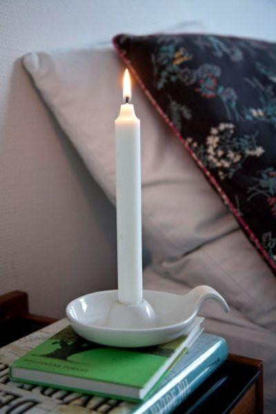 Kerzenhalter aus glasiertem Keramik in Weiß-Kerzenhalter fürs Schlafzimmer