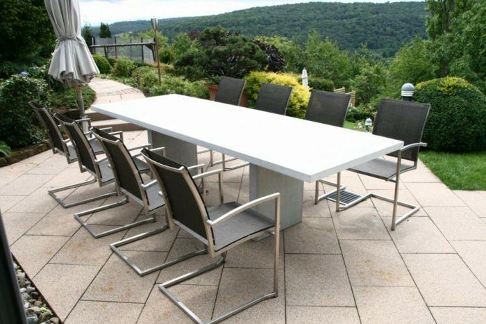 Minimalistische Gestaltung im Außenbereich-Gartenmöbel Sets