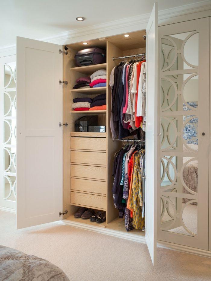 Moderne Garderobe mit Glastüren-Kleiderschrank Ankleideraum Kleideraufbewahrung