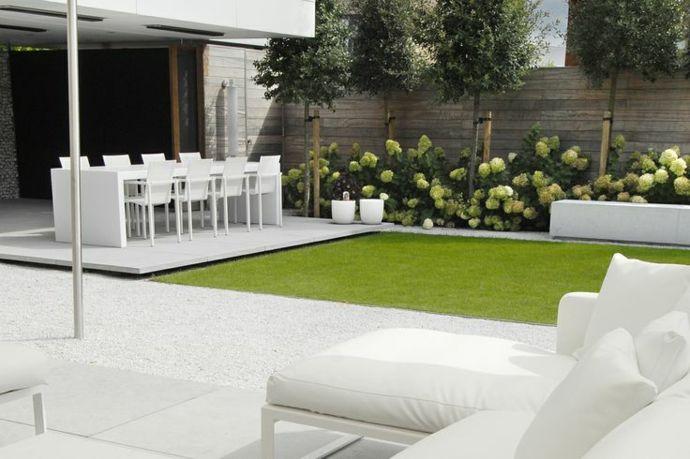 Moderne Gartenmöbel Gestaltung in Weiß-Landschaft im minimalistischen Stil