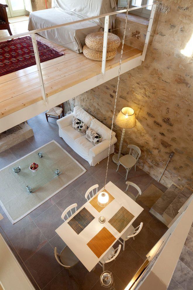 Moderne und gemütliche Loftwohnung-Steinoptik Steinwand Innendesign Loftwohnung Lösung hohe Decken Geräumigkeit