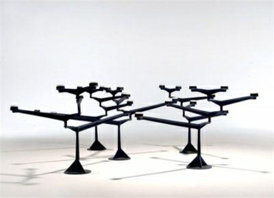 Moderner abstrakter Tisch-Kerzenständer-Kerzenhalter im Wohndesign