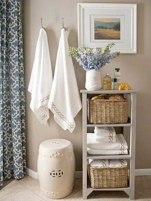 Ordnung im Badezimmer mit dem klassischen Badschrank schaffen-Badmöbel Badausstattung Badzubehör Aufbewahrungskorb