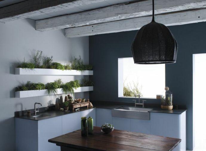 Pflanzen Kräuter Holz Arbeitsplatte-Küchen offene Regale