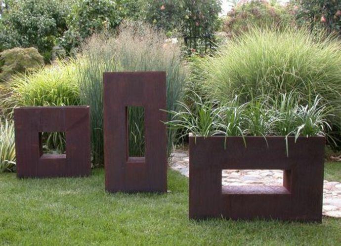 Pflanzkübel mit ausgefallenem Design-Landschaft im minimalistischen Stil