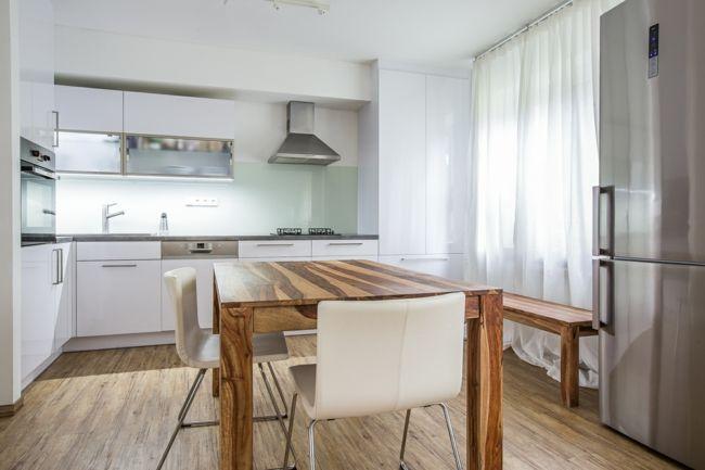 Positiven Energiefluss in der Küche erzielen-Feng Shui Küchenplanung Tipps kleine Küche in Weiß Wohlbefinden