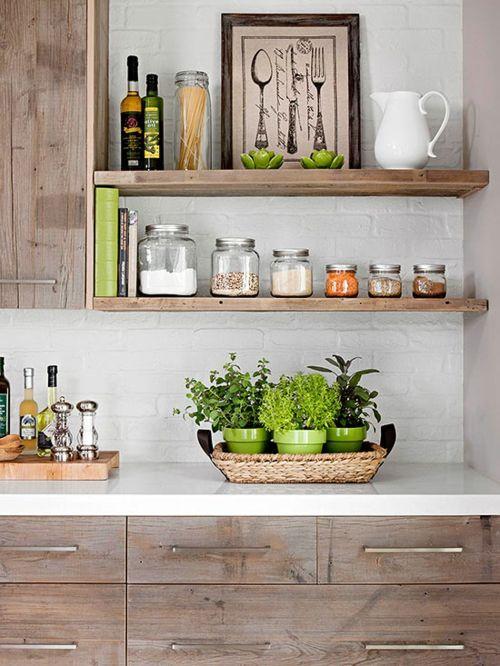 Praktische Wandregale in der Küche bieten Stauraum und Dekorationsmöglichkeit-Küchennische Aufbewahrung Wandregale Regalbretter Mid Century