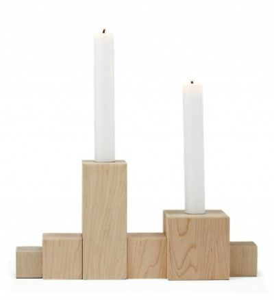 Quadratische Kerzenhalter aus Holz für zwei Stabkerzen-Kerzenständer