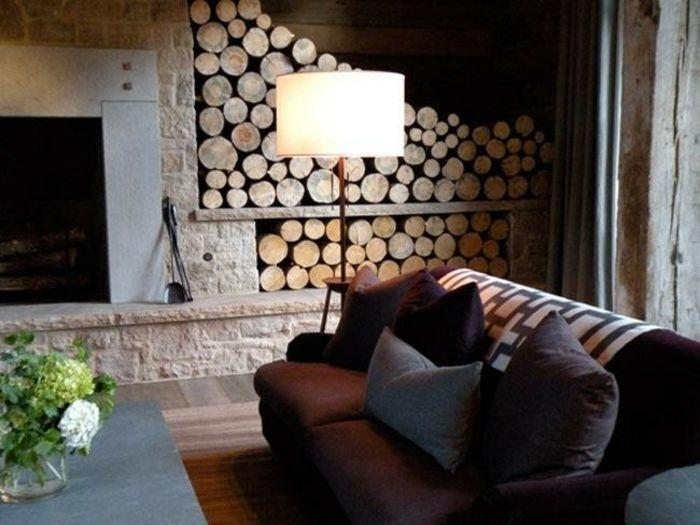 Rustikales Wohnzimmer-Holzaufbewahrung im Wohnzimmer Brennholzregal Kaminholz Brennholzlagerung rustikal Landhausstil