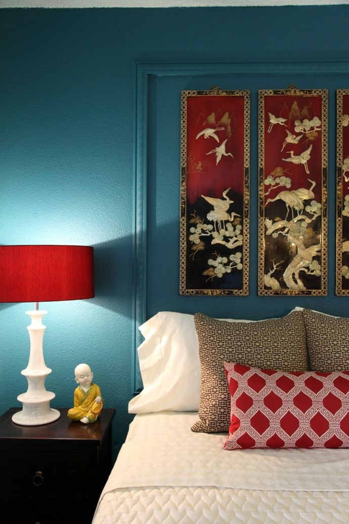 Schlafzimmer in Rot und Blaugrün-Orientalische Lampen