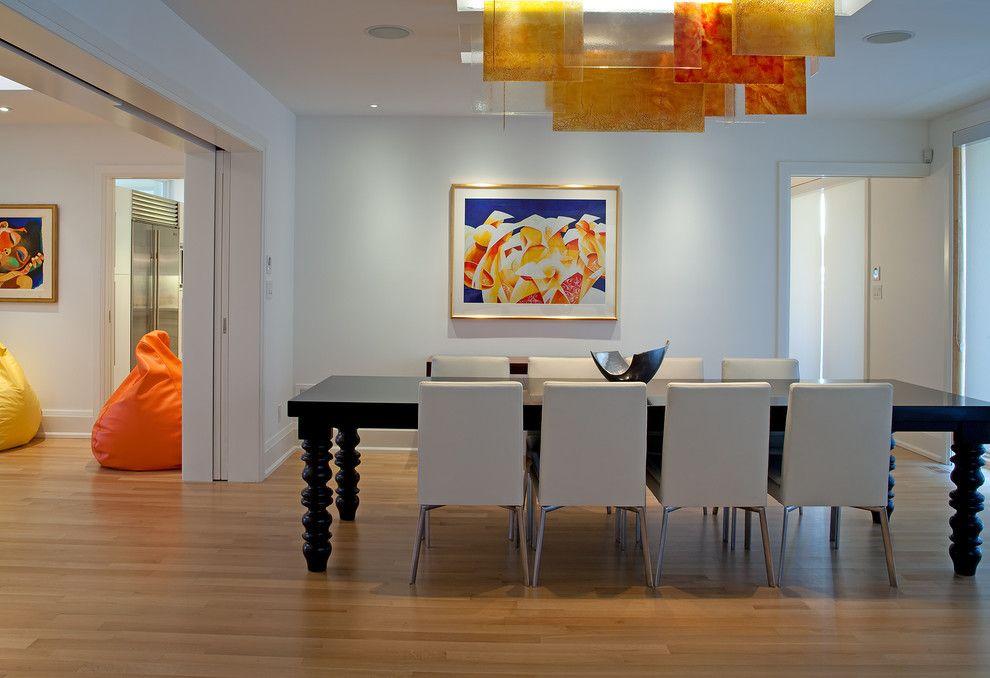 Schlau kombinierte Komplementärfarben-Steinoptik Steinwand Innendesign Akzent Esszimmer Tisch aus Massivholz