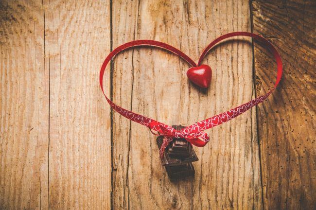 Schokolade und Deko Herzform-Dekoration zum Valentinstag