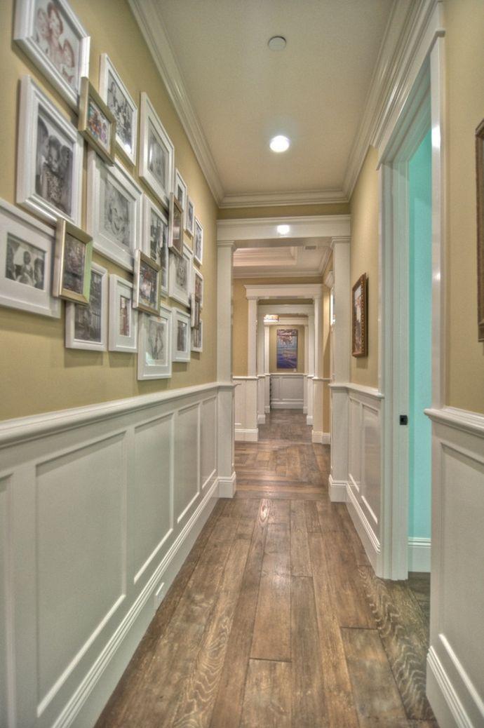 Scnittholz Wandvertäfelung Familienfotos-Кorridor interior ideen