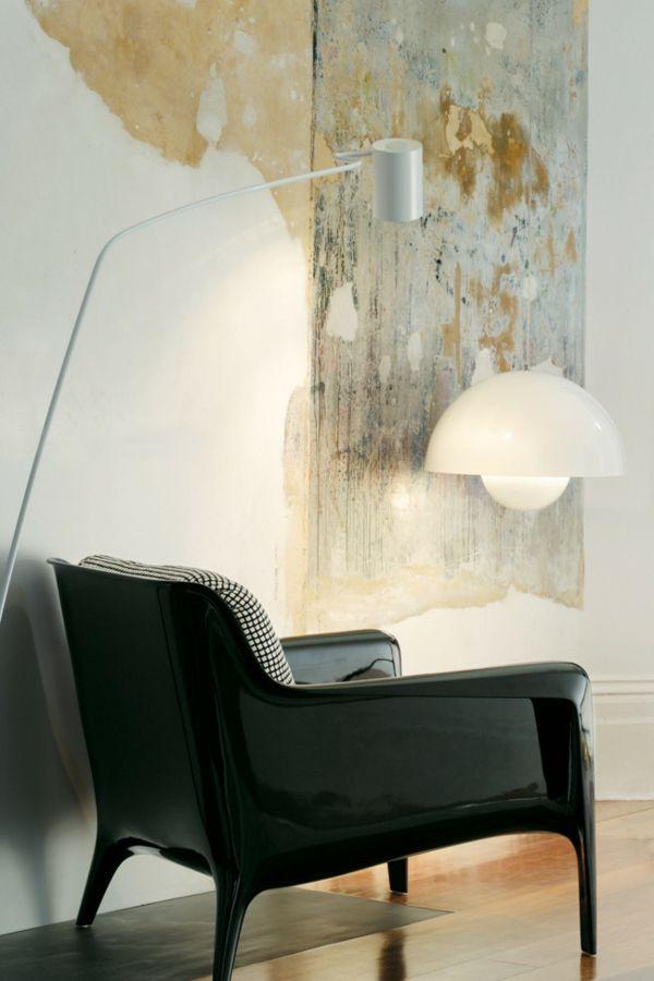 Sessel in Schwarz-Einrichtung mit industriellen Möbeln