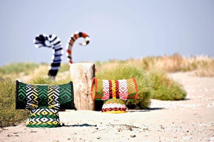 Sessel mit exotischer Form und bunten Farben-Sitzmöbel Designer Sessel ergonomischer Komfort panafrikanische Farben