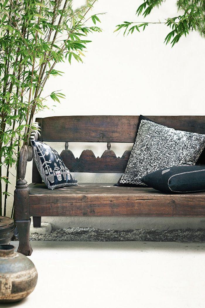 Sitzbank aus Massivholz Deko Kissen exotische Motiven-Veranda Innenhof Gestaltung