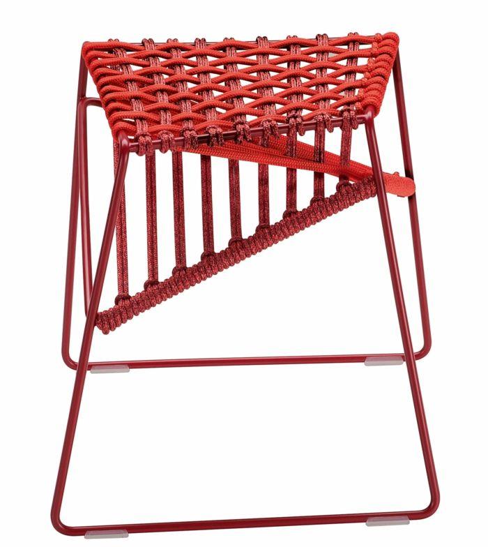 Sitzhocker mit spannender Optik in Rot-Interieur Designer Möbel innovativ interessant ausgefallen Optik Sitzhocker