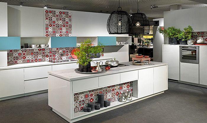 Spannenden Effekt durch die verspielte Küchenrückwand erzeugen-Tendenzen Küche Neuigkeiten Design Küchenmöbel Küchenrückwand Fliesen Küchentrends