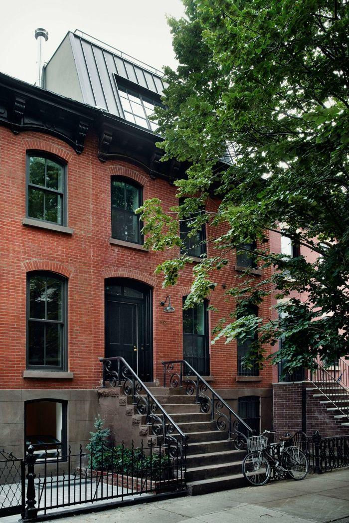 Stadthaus im Besitz von Rony Vardi-Der Sandsteinaltbau verfügt über vier Schlafzimmer und drei Badezimmer-Einfamilienhaus zweistöckig Luxushaus New York