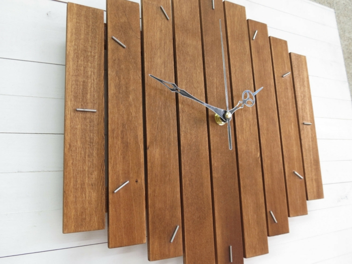 Stundenmarkierungen aus Stahldraht-Wanduhr Wohnzimmer