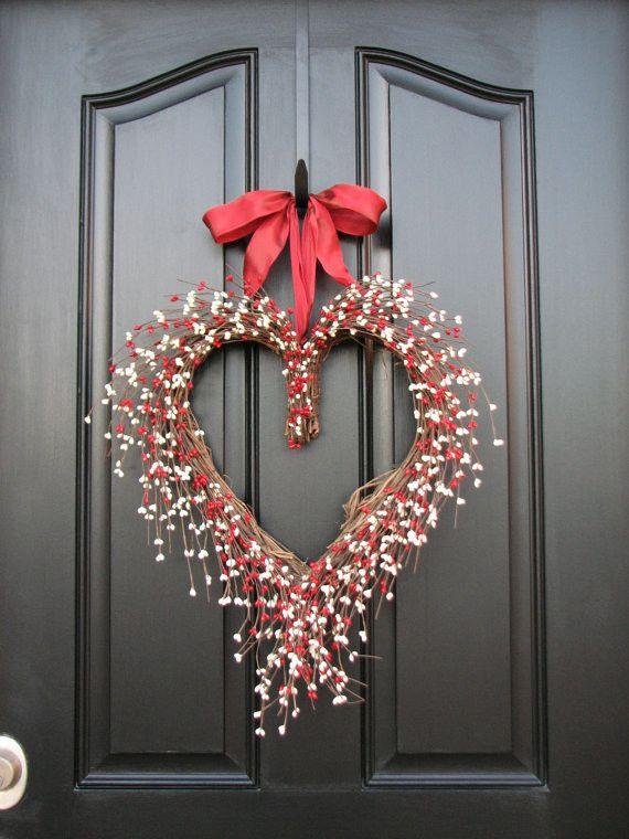 Türkranz in Form eines Herzens-Valentinstag Interieur Dekor