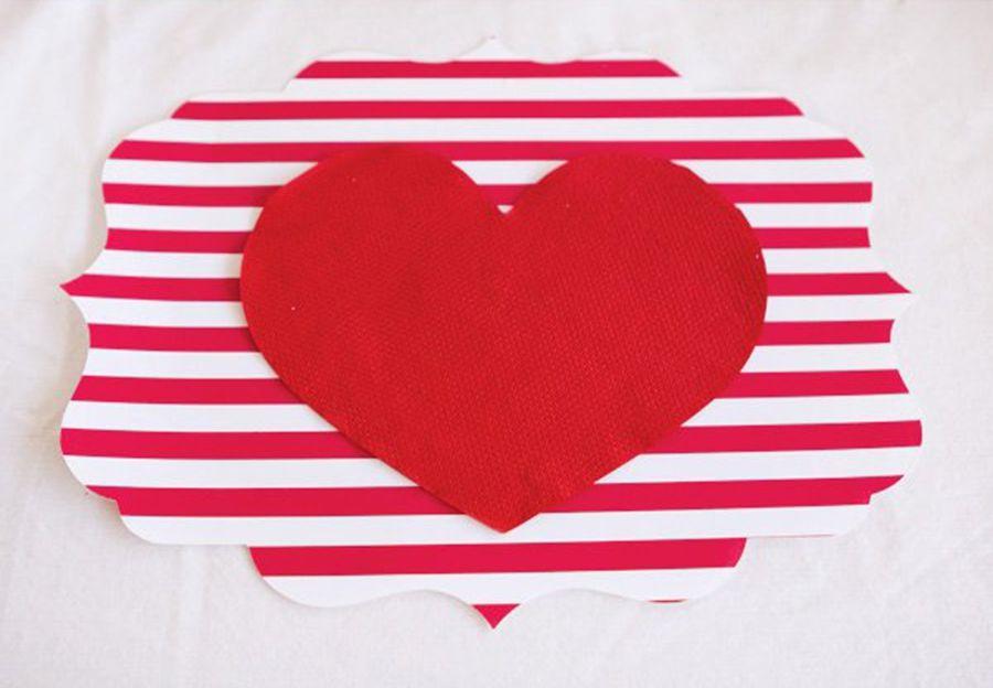 Tischuntersetzer mit eingenähtem roten Herz-Partydeko Partydekoration Gartenparty Farbmotto Feier Fest Tischuntersetzer