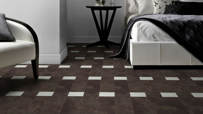 Vintage Bodenbelag in Weiß und Dunkelbraun-Bodenfliesen moderne Textur