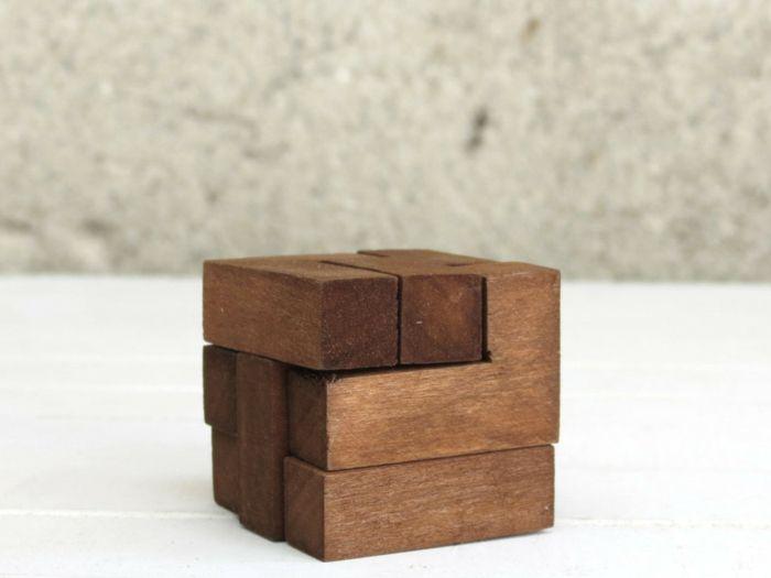 Würfelpuzzle aus Holz-Spiele