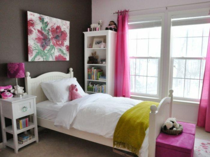 Wand in Grau und bunte Akzente-Jugendschlafzimmer Mädchen