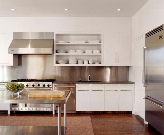 Weiße Schränke und Edelstahl Ideen-Küchen offene Regale