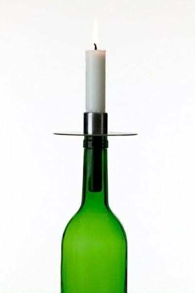 Wiederverwendete Flasche als Kerzenhalter-Kerzenständer