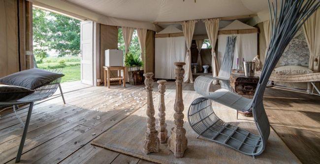 Wohnzimmer, Wohnaccsessoires, Kerzenständer, Teppich, Vorhänge