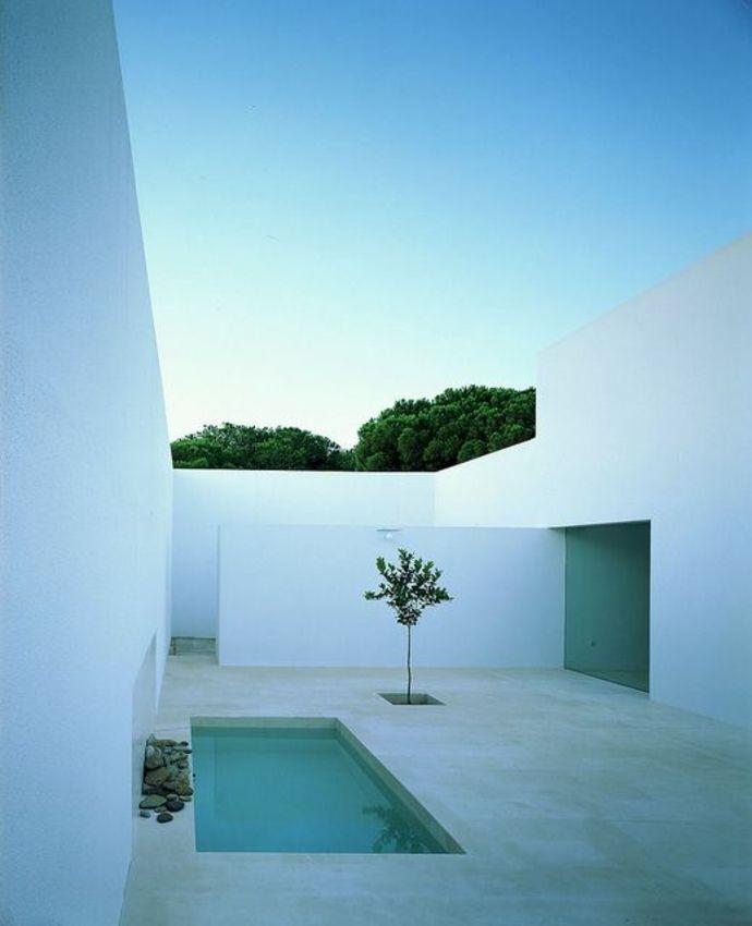 Zeitgenössischer Minimalistischer Innenhof Landschaft Im Minimalistischen  Stil