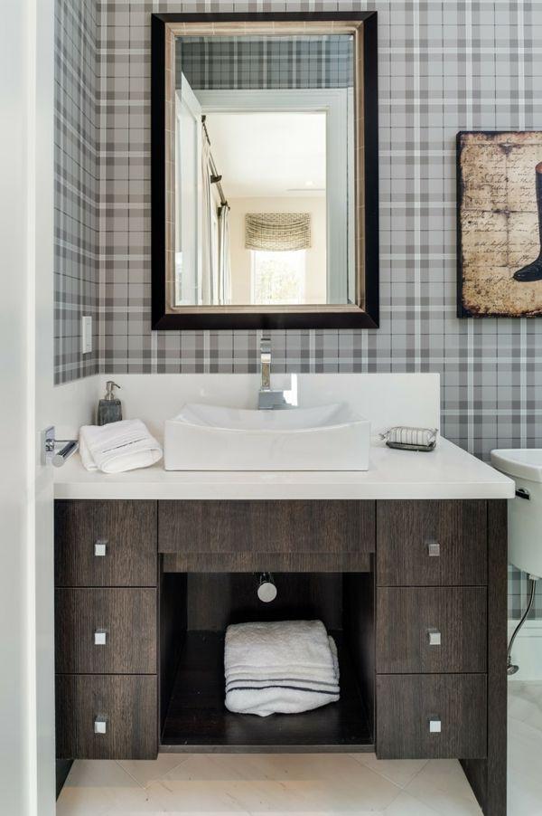 Zurückhaltendes und stilvolles Karomuster als Wandgestaltung fürs Badezimmer-Badezimmer Waschbeckenunterschrank Gestaltung