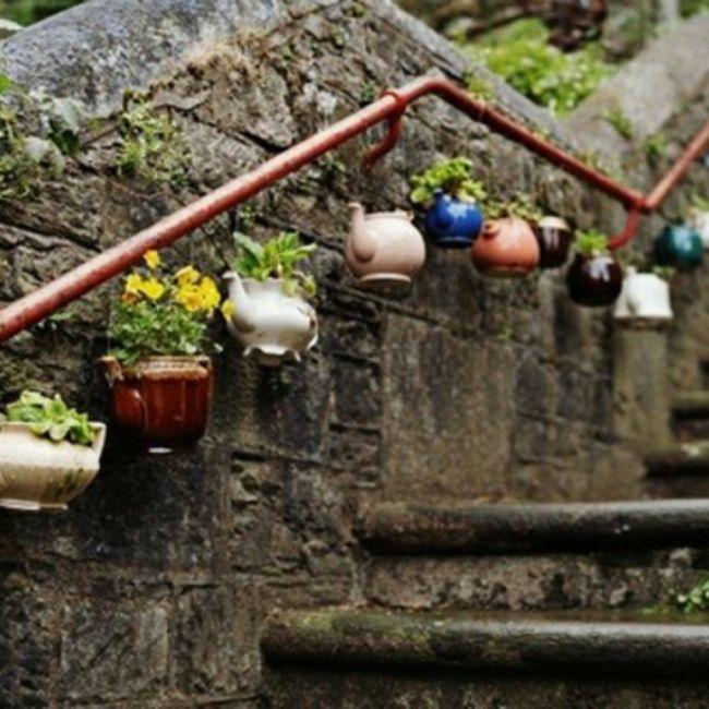 alte Gegenstände als Blumentöpfe für den Garten Gartendeko - Ideen