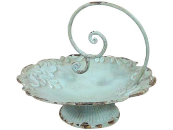 antike Schale aus Eisen mit frischem Obst dekorieren-Wohnaccessoires Ideen