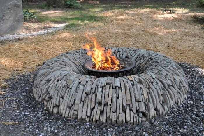 das lebendige Feuer im Garten-Dekoration für den garten