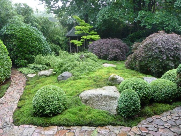 japanischer Garten mit kleiner Hütte-Gartengestaltung
