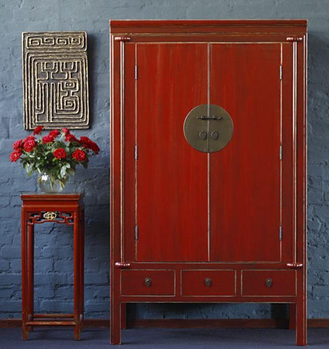rote Möbel, blaue Wand, Vintage-Look-wohnzimmer ideen
