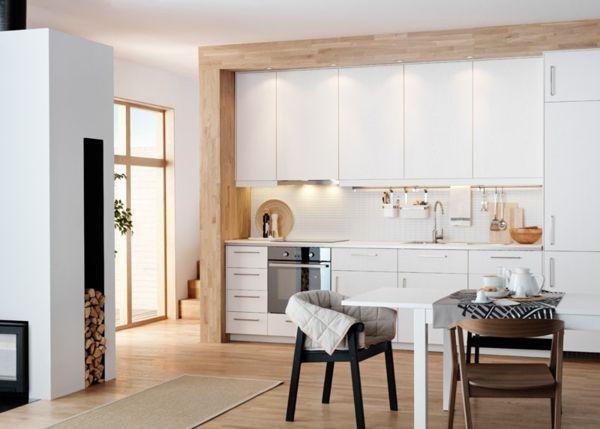 weiße Küche im skandinavischen Stil- Skandinavisches Design