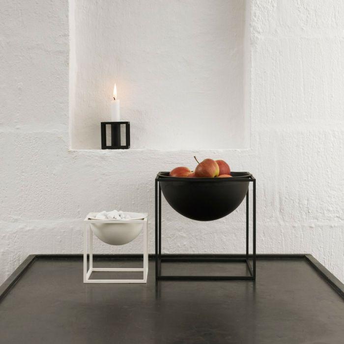 Alleskönner im Interieur-Kerzenhalter und der Kubus Bowl-Dekoschale traditionelle Handwerkskunst Stahl