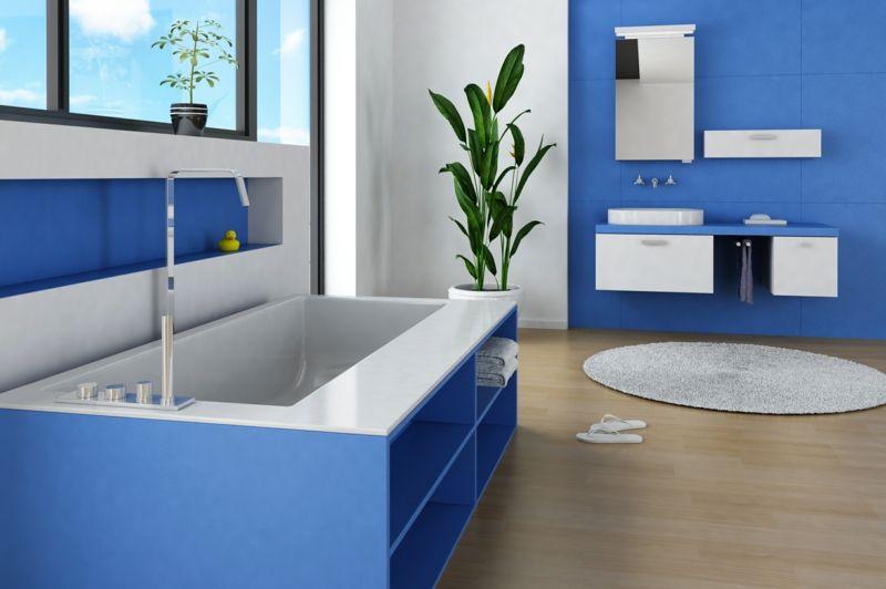 Badezimmer in Blau Waschtischunterschrank hängend