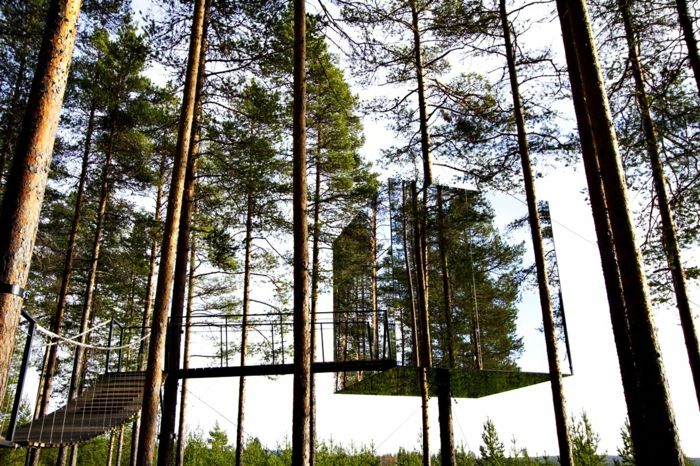 Baumhaus aus Spiegel