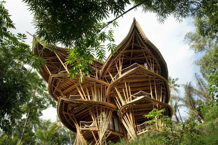 Baumhaus wie aus einem Märchen