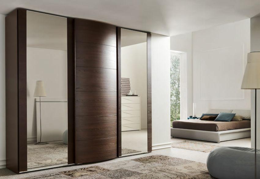 Begehbarer kleiderschrank design ideen mit teppich weich