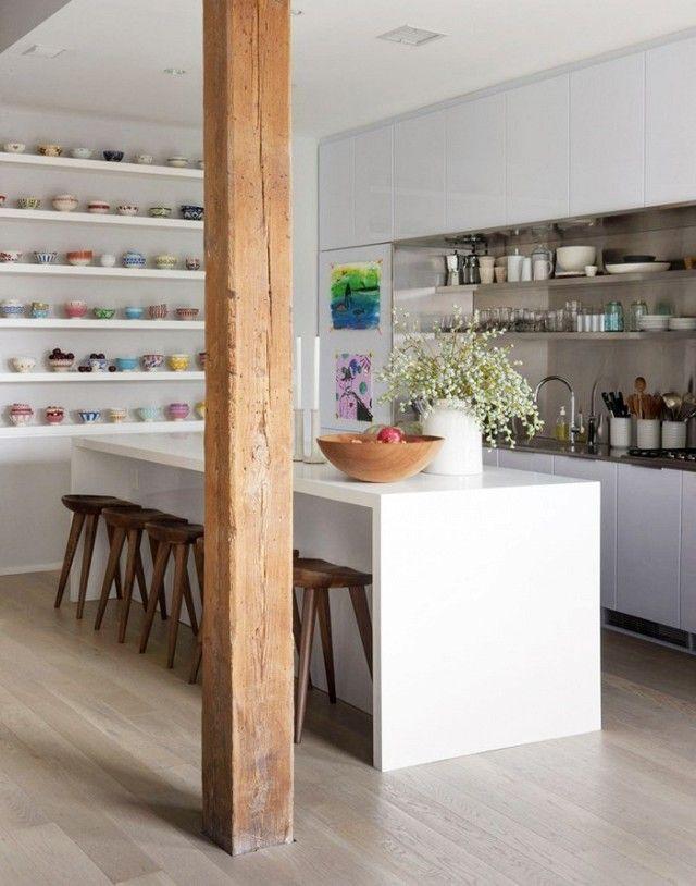 Deckenhohe Küchenausstattung-Küchenrenovierung Tassenregal weiß