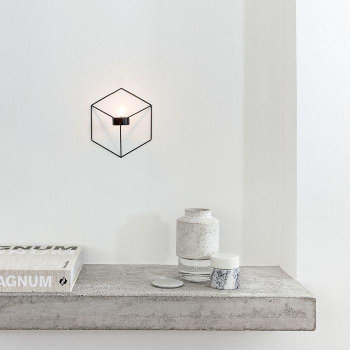 Dieser einzigartige dreidimensionale Wandkerzenhalter nehmen wir je nach Blickwinkel unterschiedlich wahr-Designer Wandteelichthalter lineare Form Edelstahl