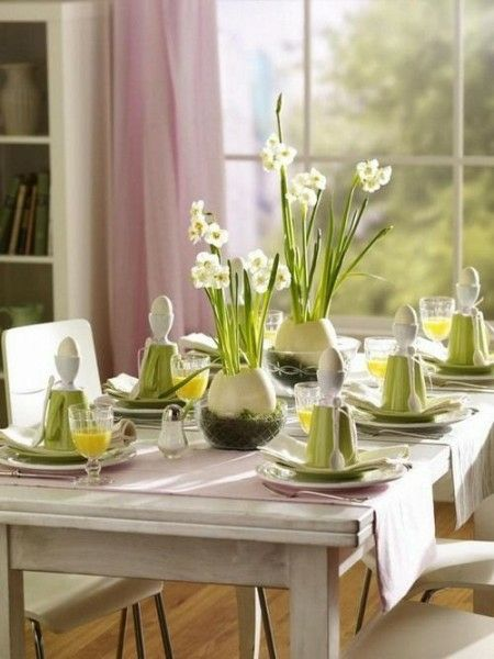 Eierschalen als dekorative Vasen