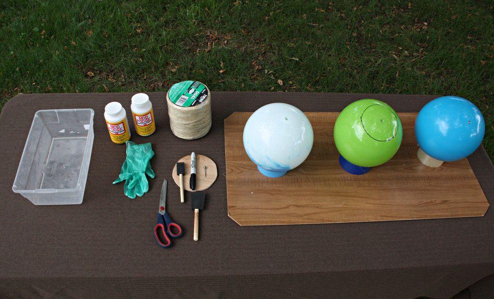 Einen Ablagetisch für die Materialien im Außenbereich gestalten-DIY Lampe selbst machen