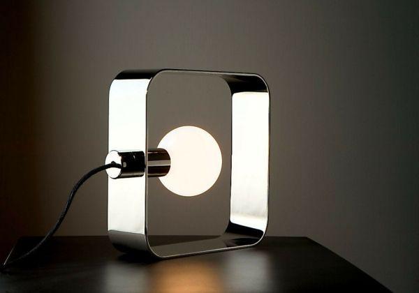 Elegante Linienführung und simples Design-Tischlampe Metall zeitgenössisch